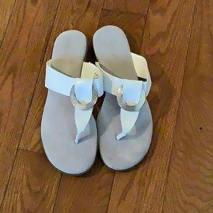 Flat sandals